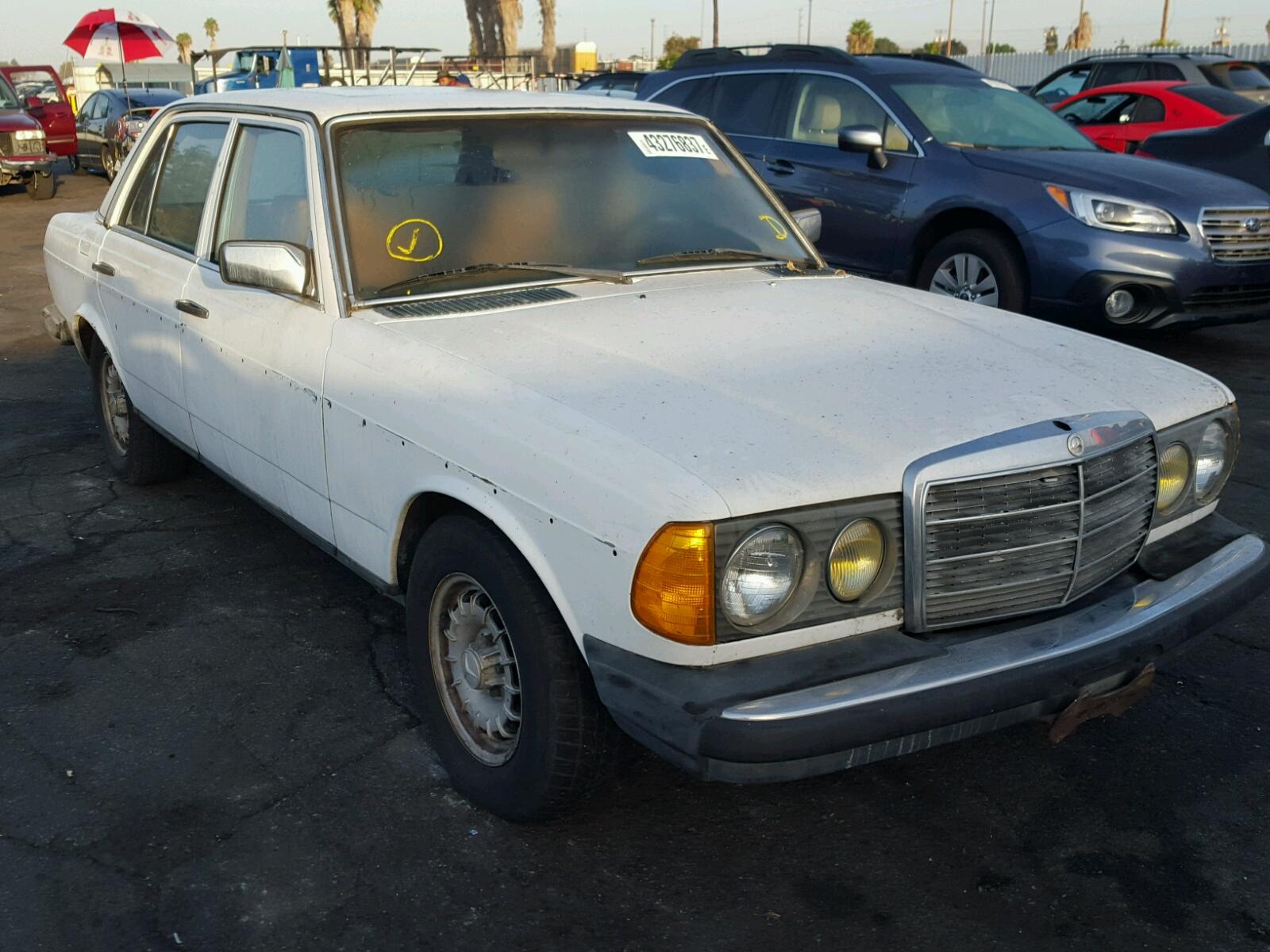 1979 MERCEDES-BENZ 300 D