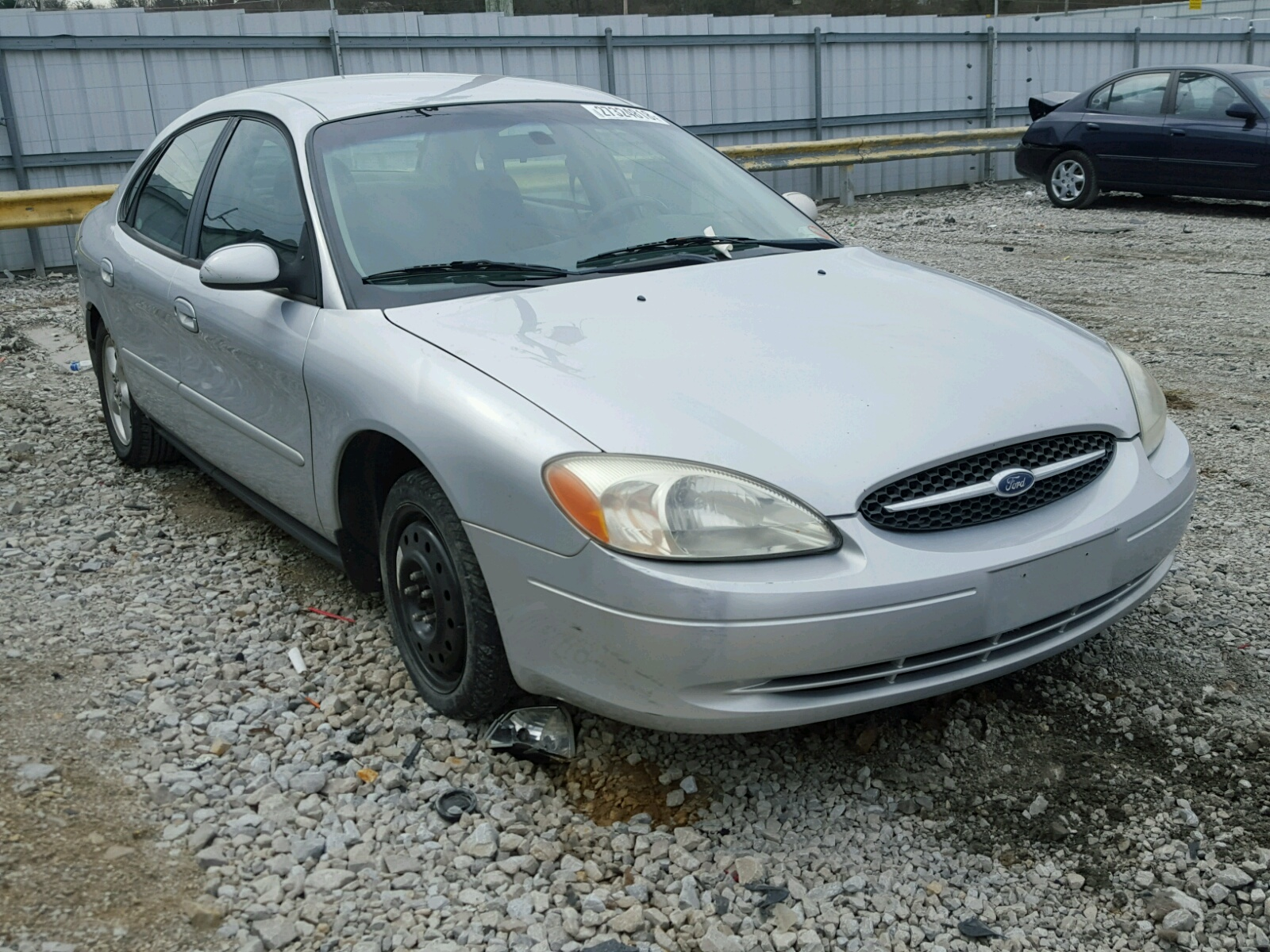 COPART Lote #27324818 2001 FORD TAURUS SE