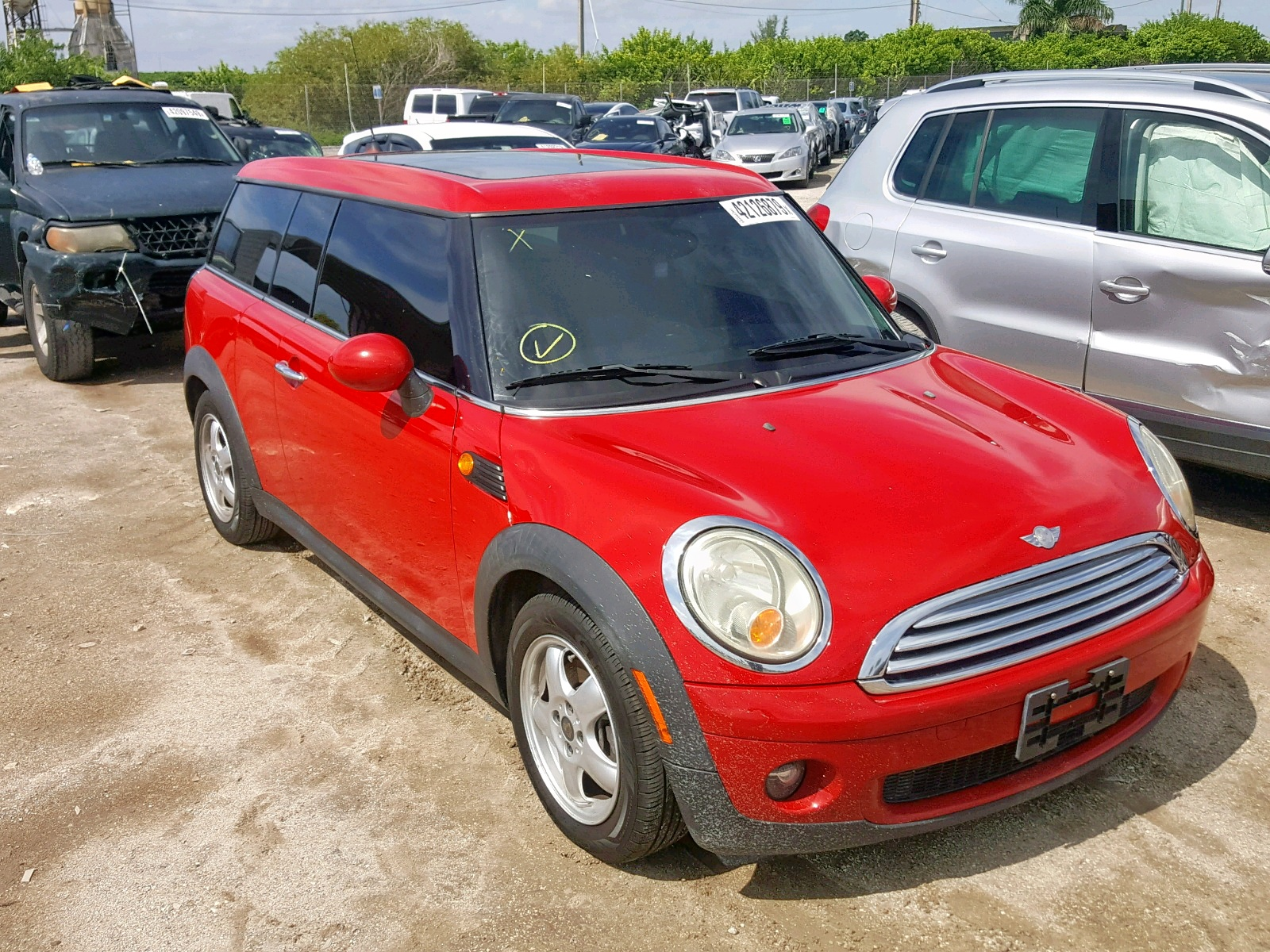 click here to view 2010 MINI COOPER CLU at IBIDSAFELY