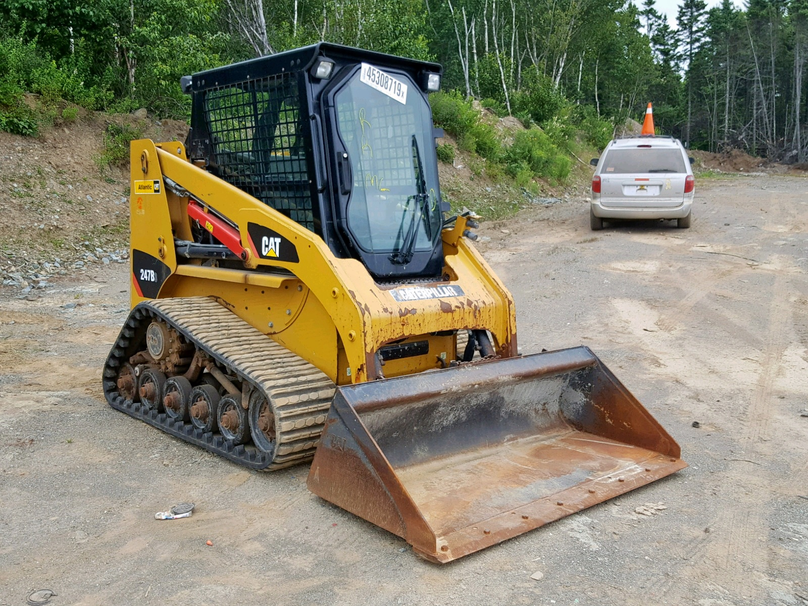 click here to view 2015 CATERPILLAR SKIDSTEER at IBIDSAFELY