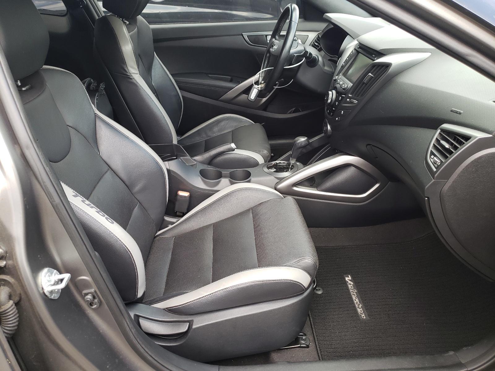 Hyundai Veloster t 2016
