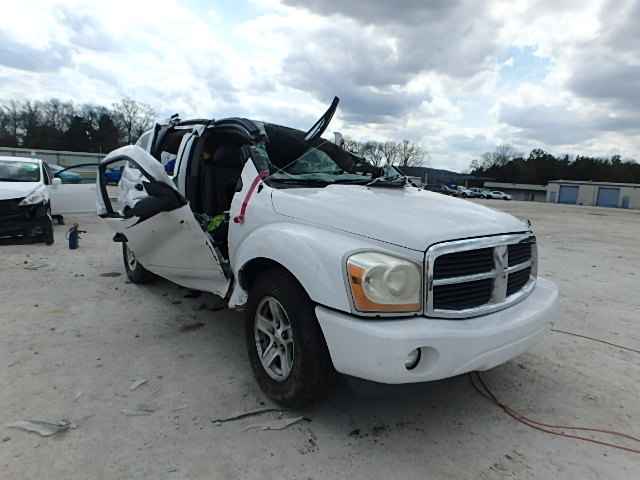 Salvage V | 2005 Dodge Durango