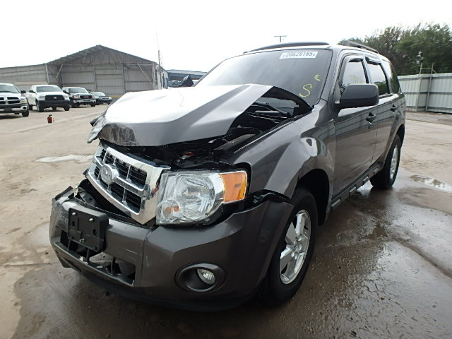 1FMCU0D78BKB19085 - 2011 FORD ESCAPE XLT