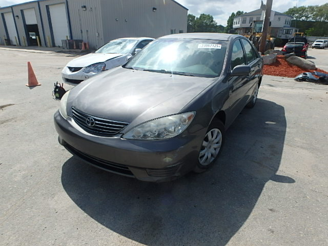 4T1BE30K85U538342 - 2005 TOYOTA CAMRY LE/X