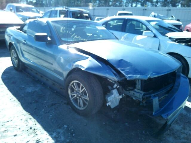 Salvage V | 2005 Ford Mustang