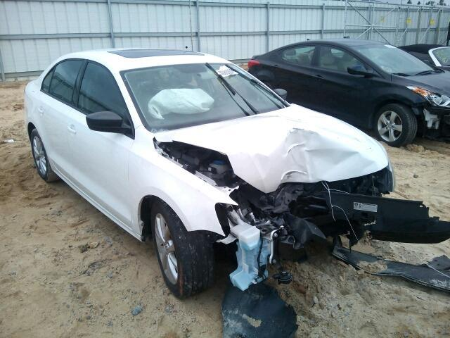 COPART Lot #40890065 2012 VOLKSWAGEN JETTA BASE