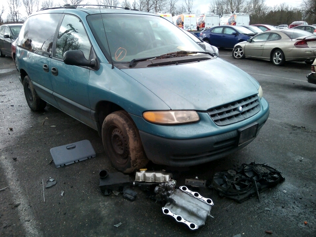 COPART Lot #17313986 1996 PLYMOUTH VOYAGER SE