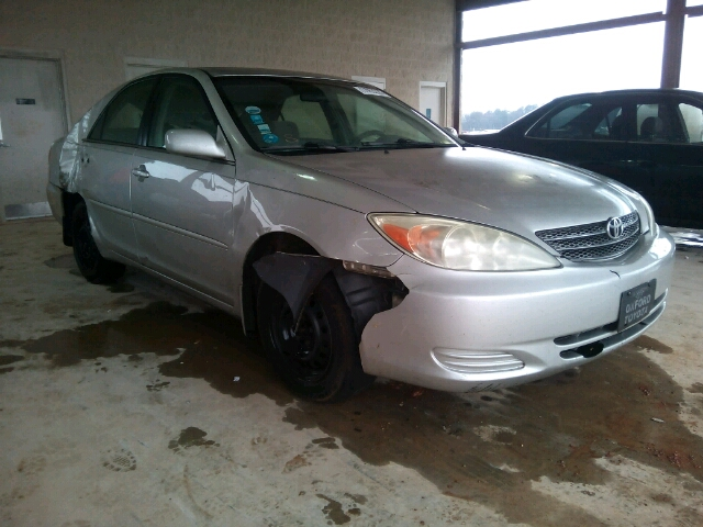 COPART Lot #17053226 2004 TOYOTA CAMRY LE/X