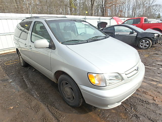 COPART Lot #18692557 2002 TOYOTA SIENNA LE/