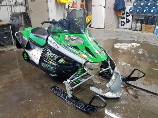 click here to view 2007 ARCTIC CAT SNOWMOBILE at IBIDSAFELY