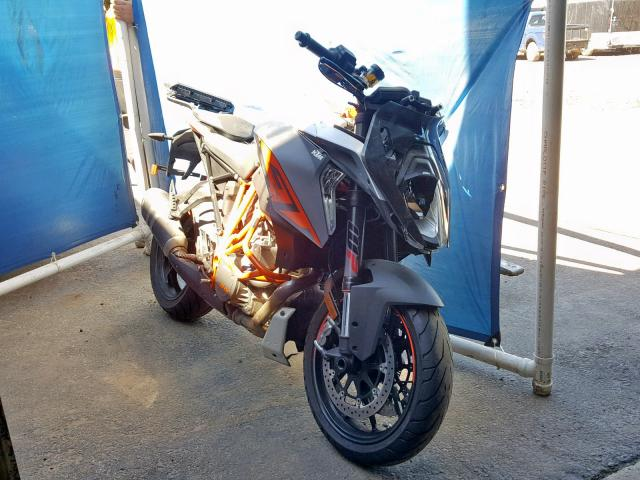 click here to view 2017 KTM 1290 SUPER at IBIDSAFELY