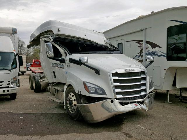 click here to view 2019 FREIGHTLINER CASCADIA 1 at IBIDSAFELY