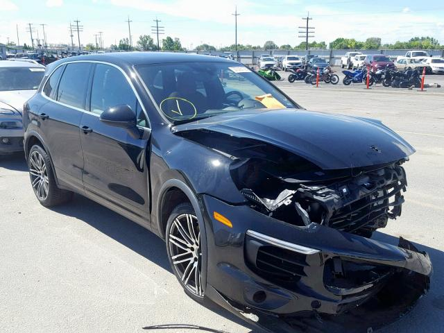 click here to view 2018 PORSCHE CAYENNE S at IBIDSAFELY