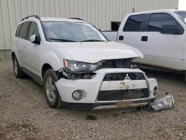 click here to view 2013 MITSUBISHI OUTLANDER at IBIDSAFELY