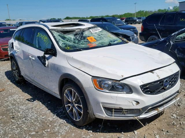 2016 Volvo V60 cross 2.5. Lot 38308459 Vin YV4612HK3G1015375