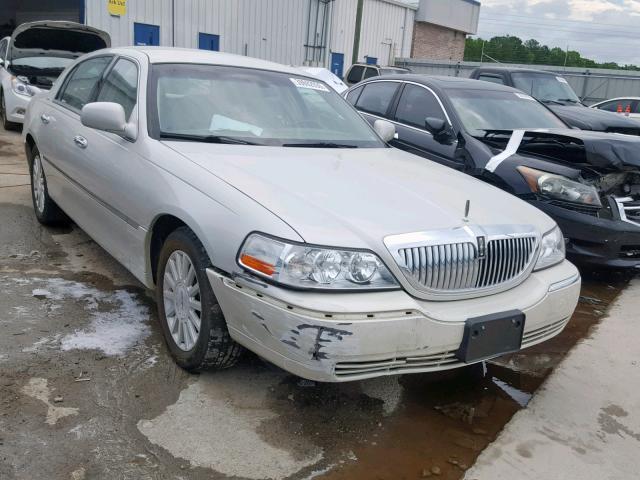Lincoln Town Car U 2004 Silver 4 6 Vin