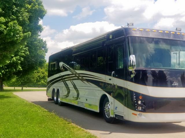 click here to view 2005 ROADMASTER RAIL MAGNUM B-S at IBIDSAFELY