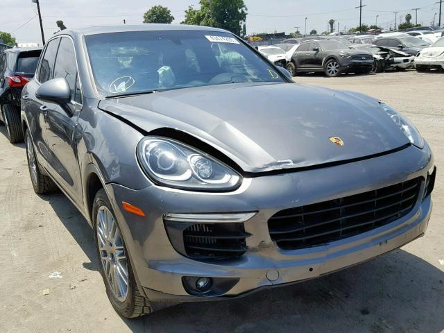 click here to view 2017 PORSCHE CAYENNE S at IBIDSAFELY