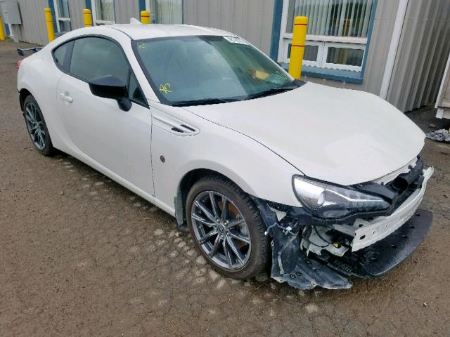 click here to view 2017 TOYOTA 86 BASE at IBIDSAFELY