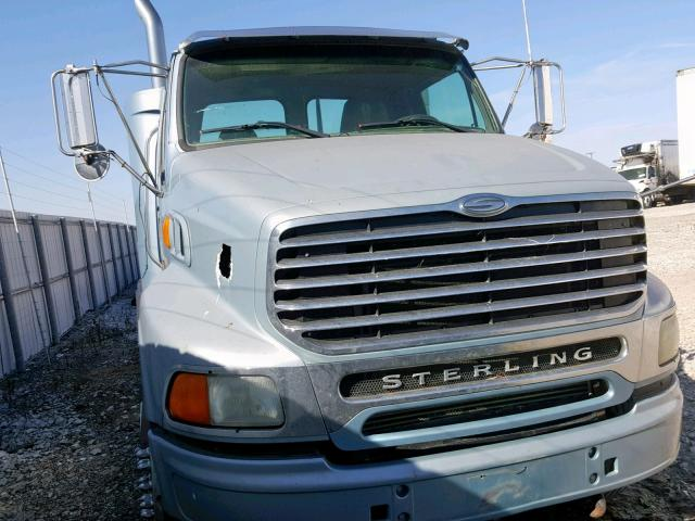 click here to view 2005 STERLING TRUCK AT 9500 at IBIDSAFELY