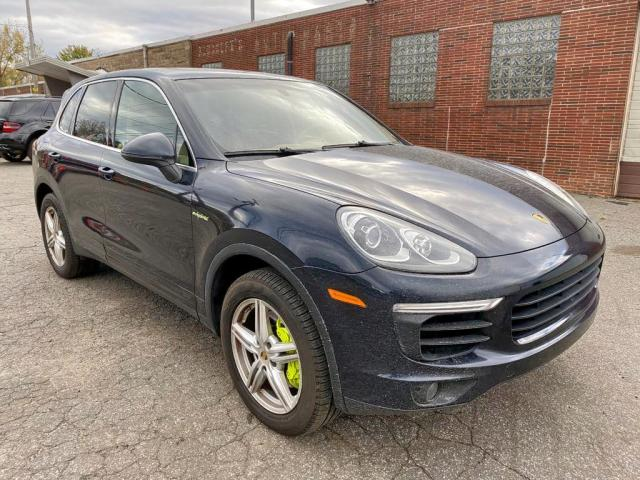click here to view 2016 PORSCHE CAYENNE SE at IBIDSAFELY