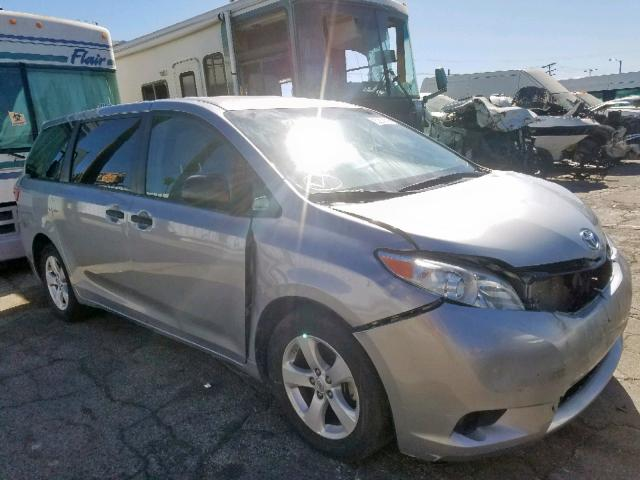 click here to view 2017 TOYOTA SIENNA at IBIDSAFELY