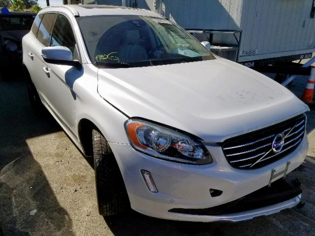 click here to view 2015 VOLVO XC60 T6 PR at IBIDSAFELY