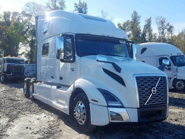 click here to view 2018 VOLVO VN VNL at IBIDSAFELY