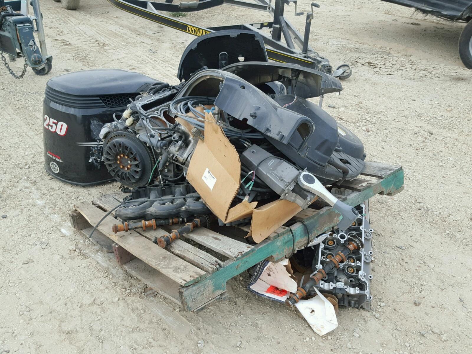 Salvage 2013 Suzuki MARINE LOT for sale