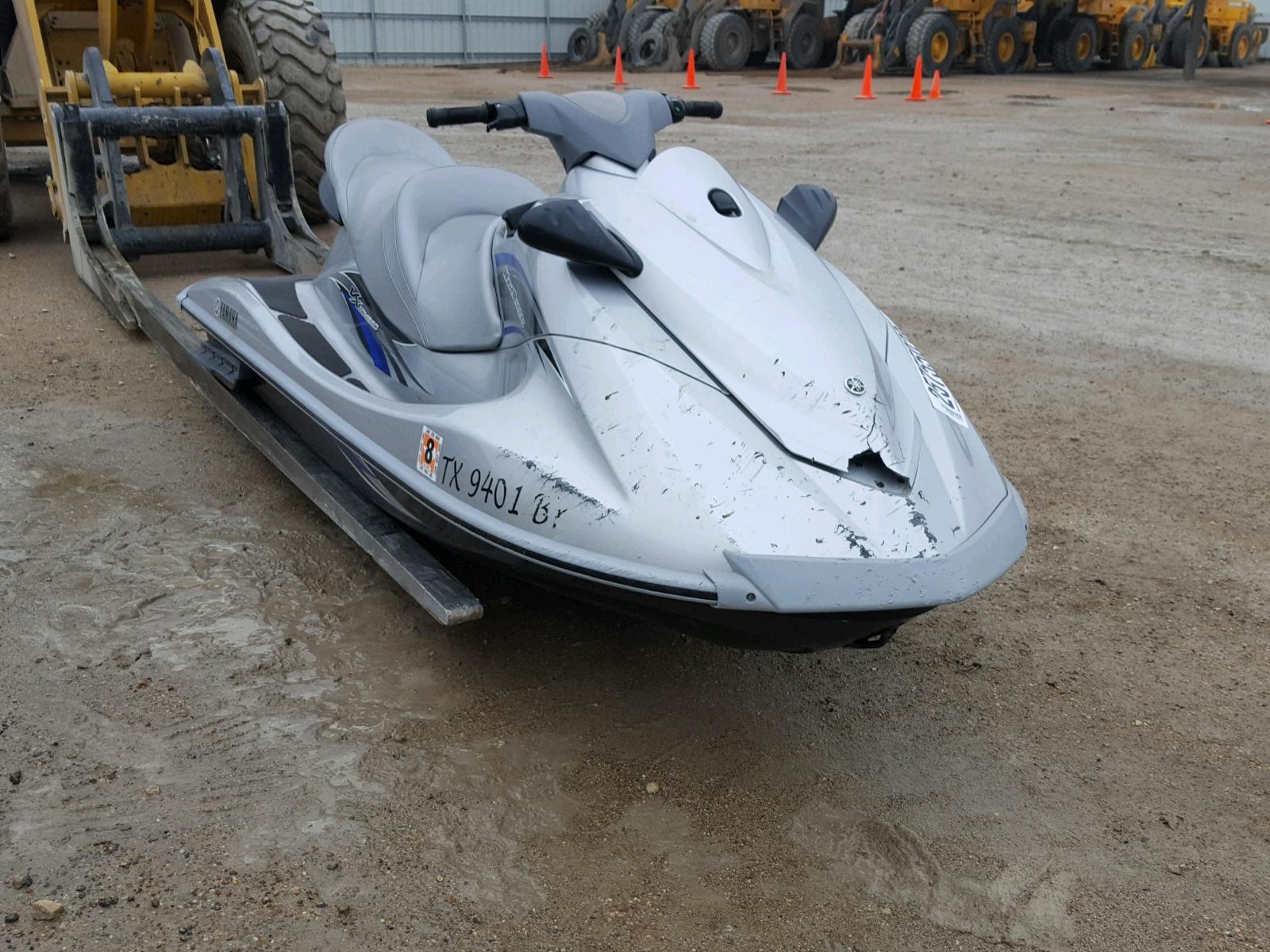 Salvage 2013 Yamaha VX CRUISER for sale