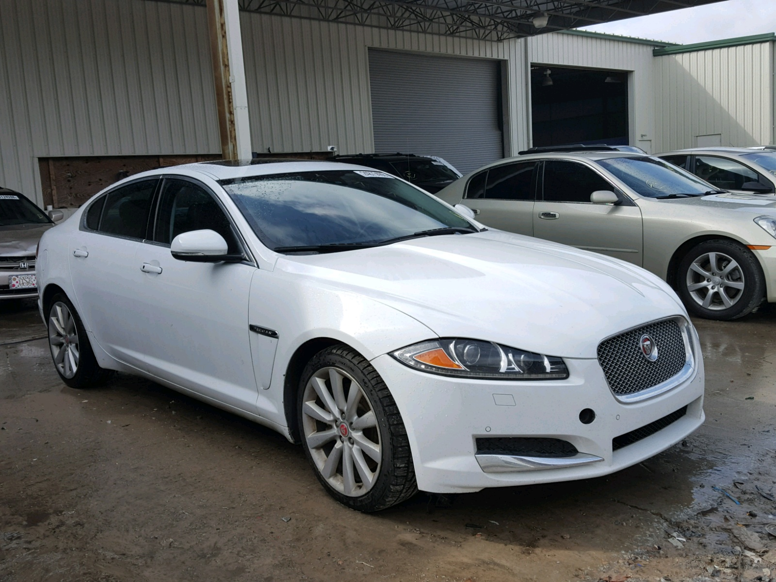 SAJWA0EX6E8U21440 - 2014 JAGUAR XF 3.0L Left View