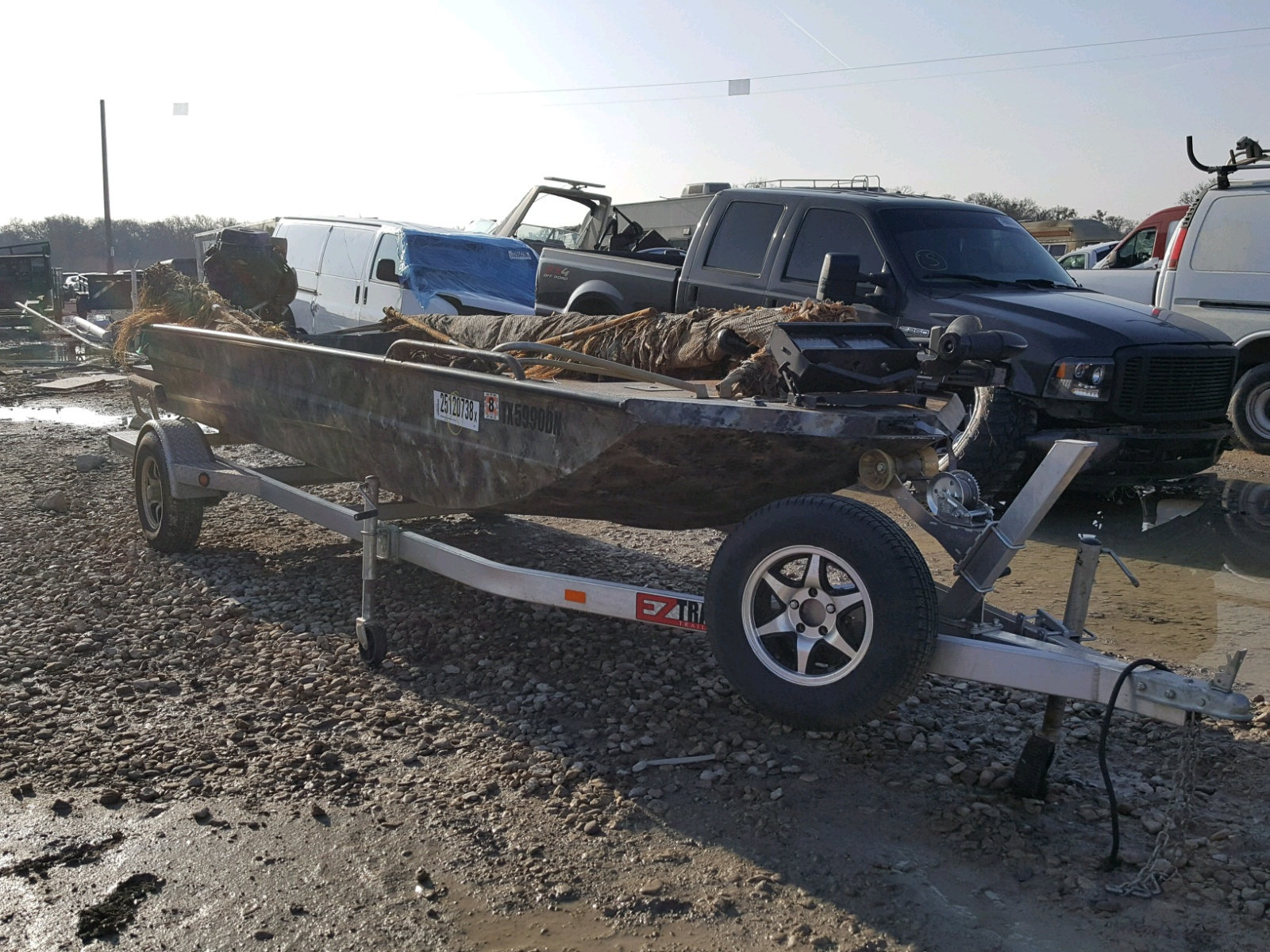 Salvage 2017 Cabin Trailer BOAT for sale