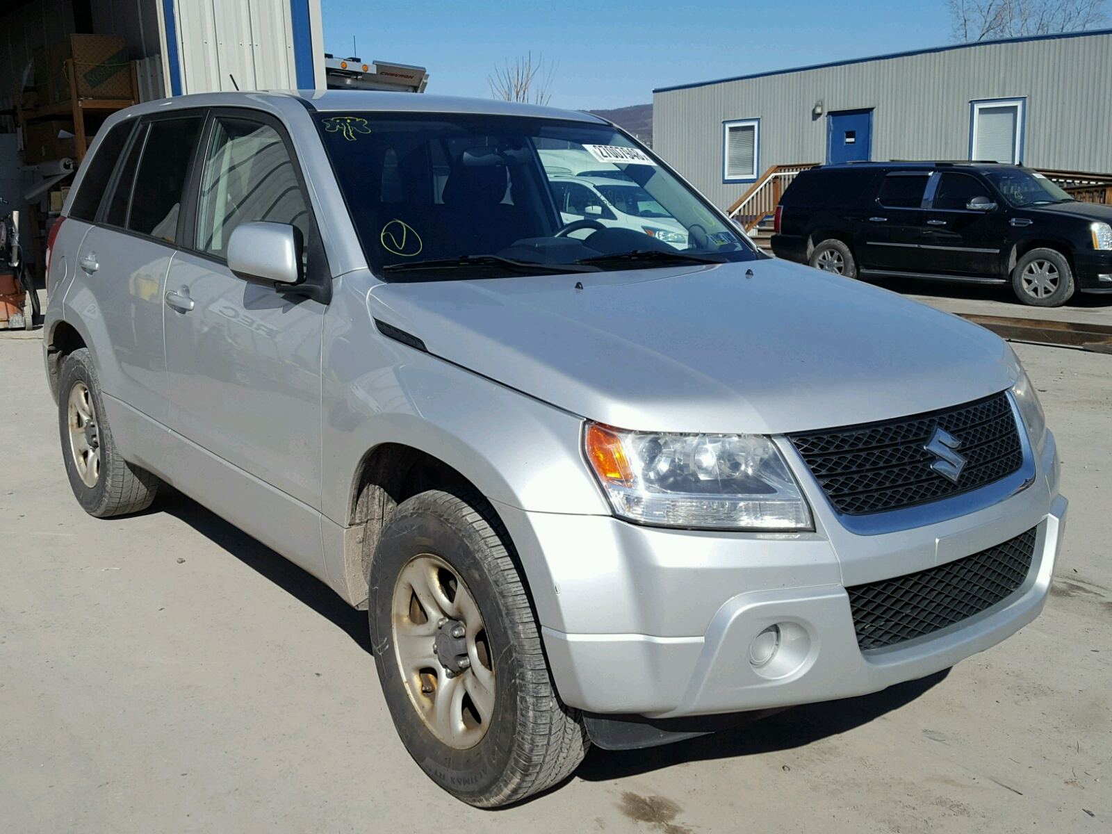 Auto Auction Ended on VIN: JS3TD0D28B4102060 2011 SUZUKI GRAND ...