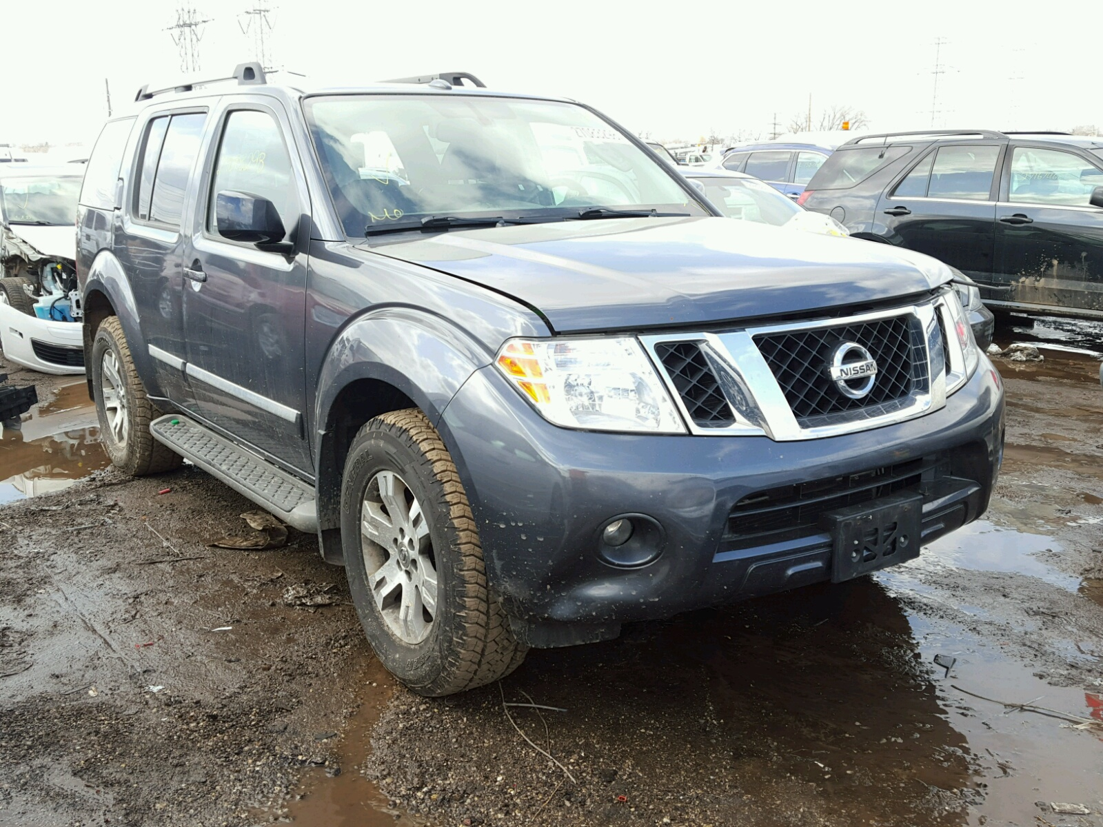 nissan parkers wagon station review pathfinder