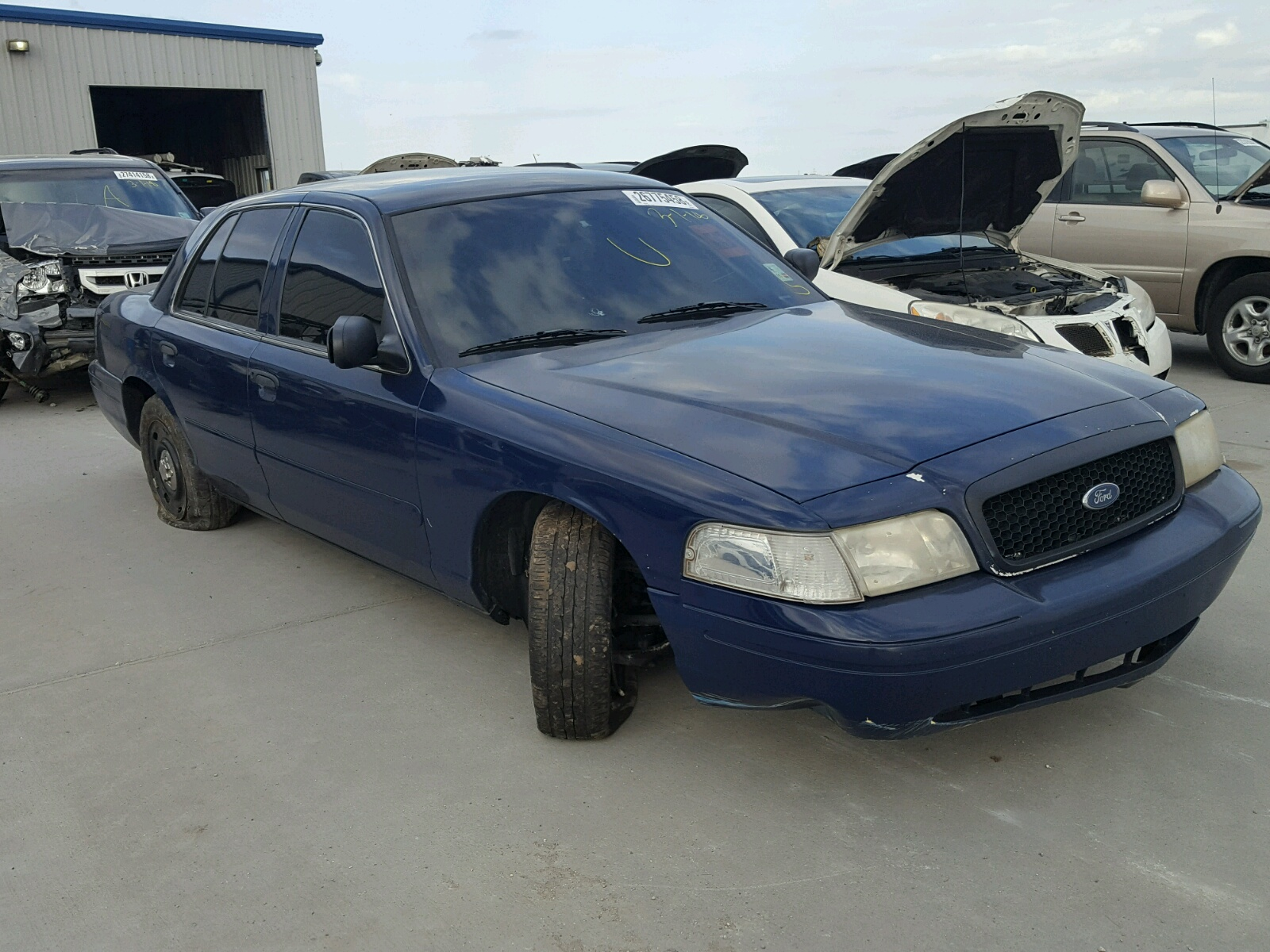 salvaged ford crown vic for auction - autobidmaster