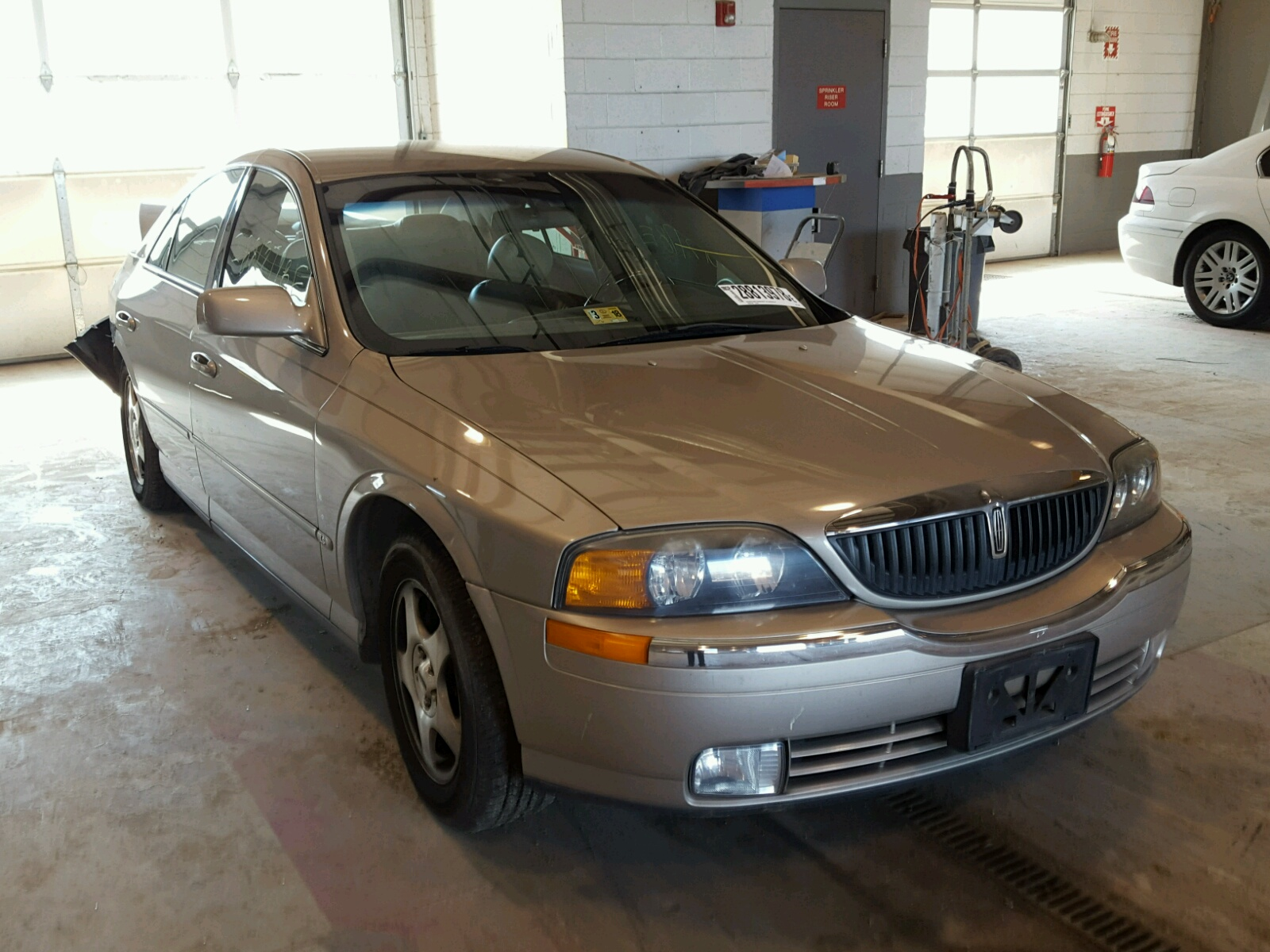 in white view left carfinder title online en town sc sale car certificate columbia for auctions lot s lincoln of copart on auto