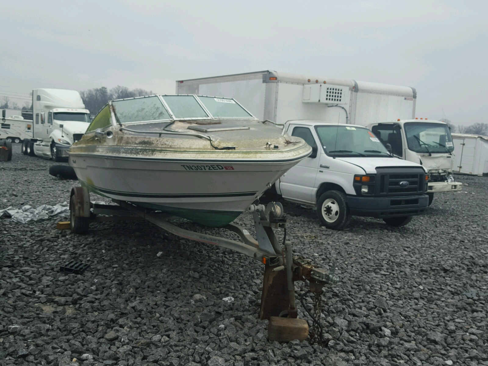 Salvage 1989 Sea Ray MARINE TRAILER for sale