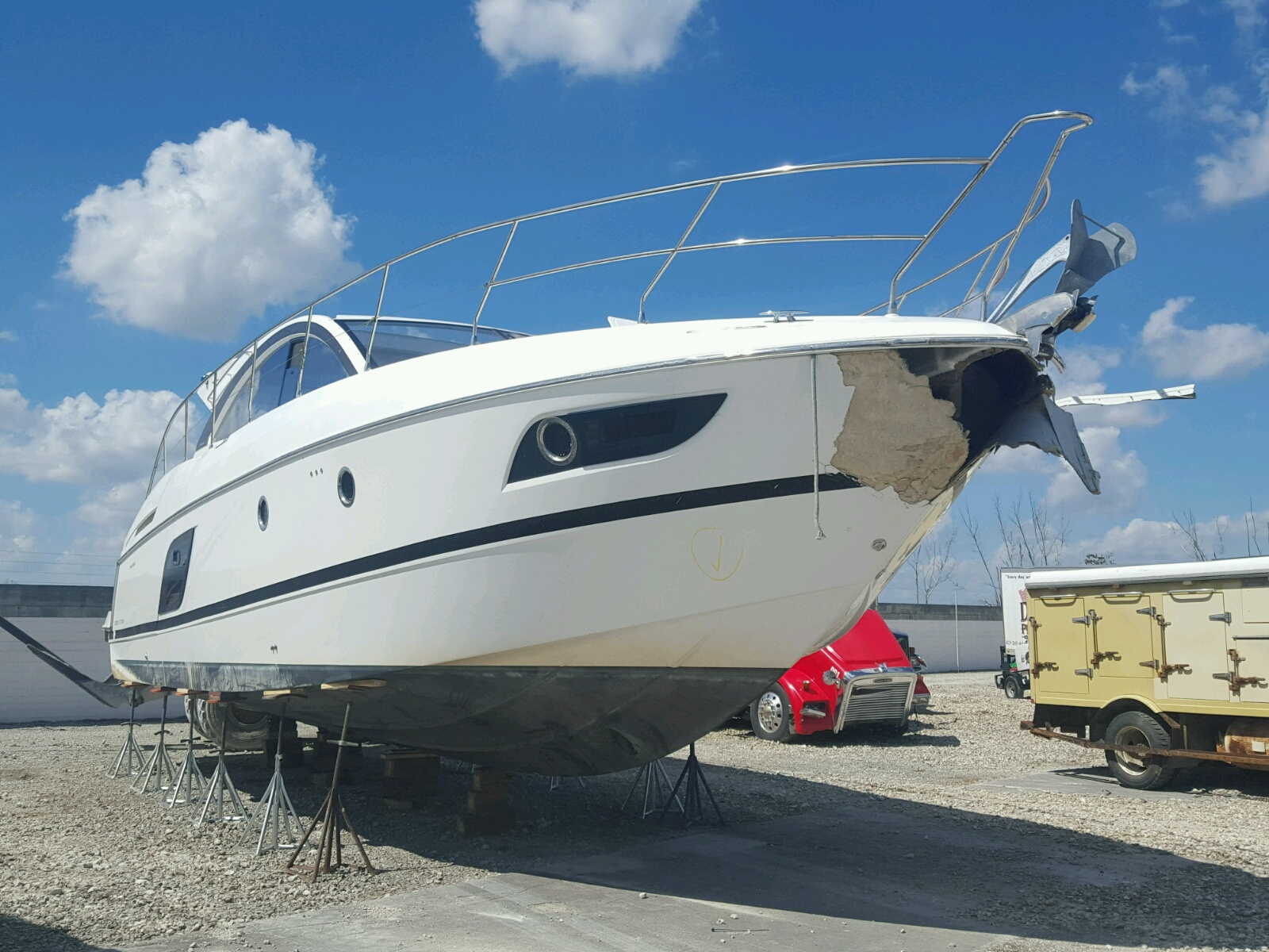 Salvage 2017 Bene BOAT for sale