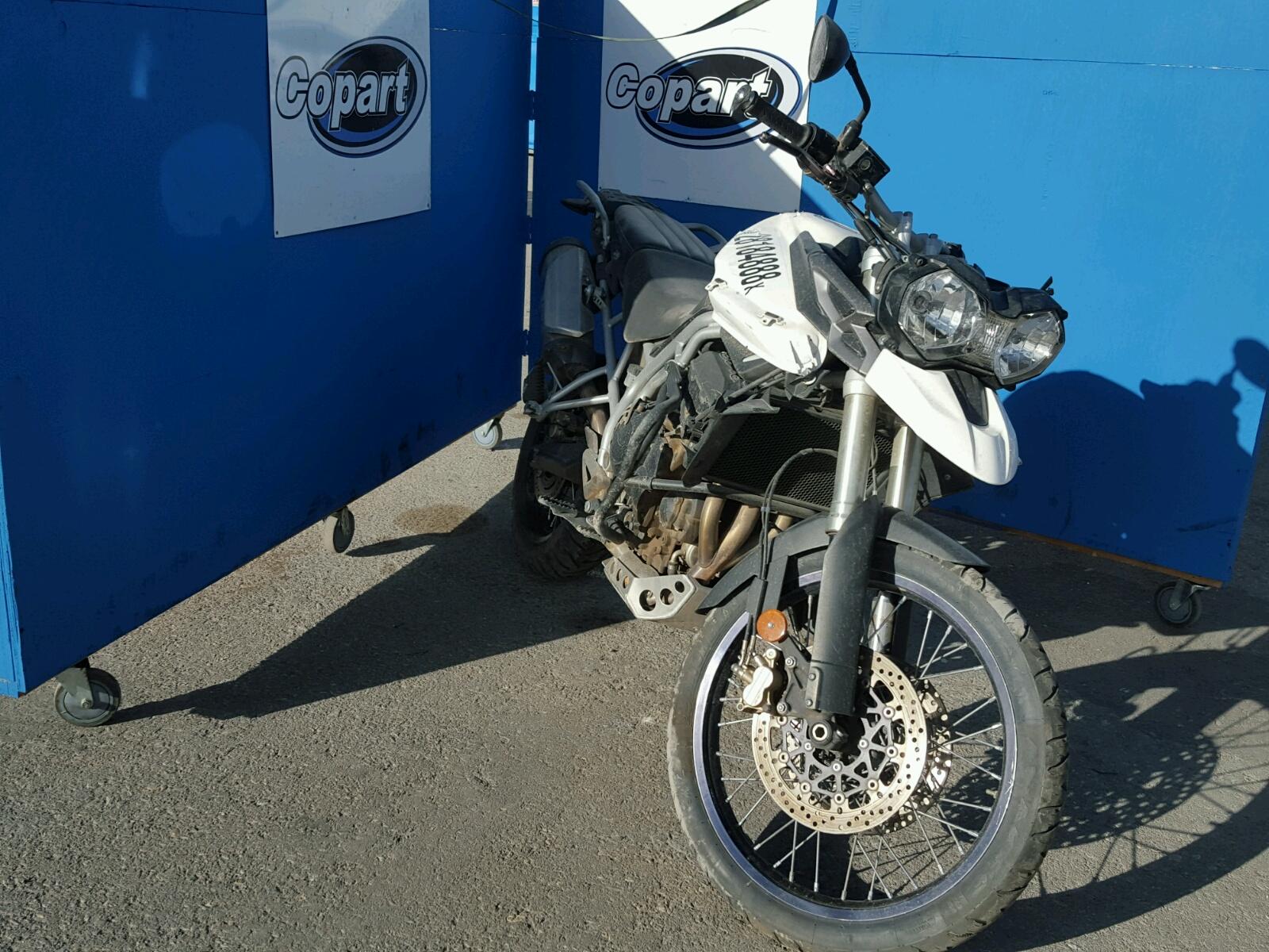 2011 TRIUMPH MOTORCYCLE TIGER 800X 3