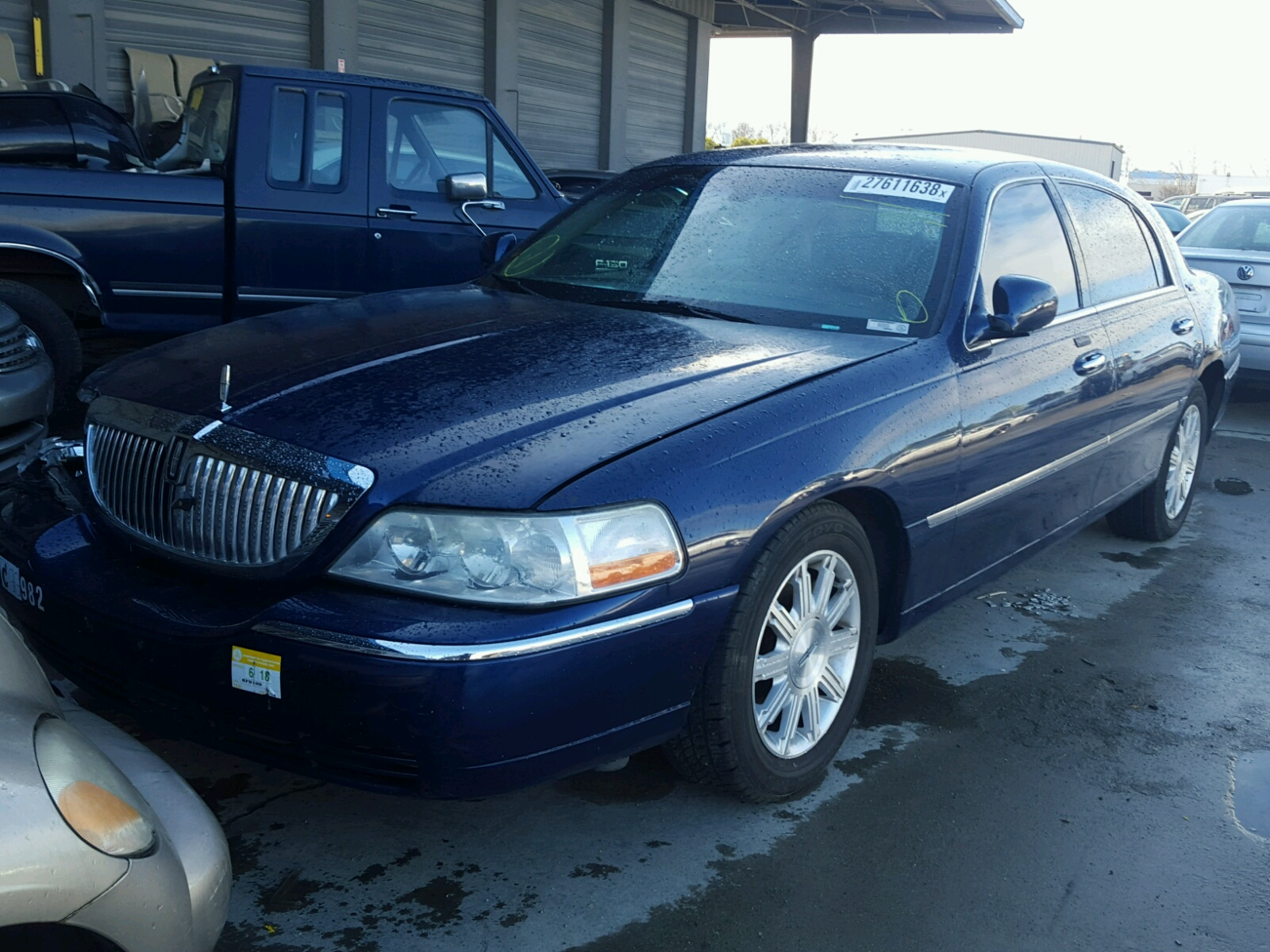 vibrant car research composite groovecar white executive limited town lincoln l signature sedan large