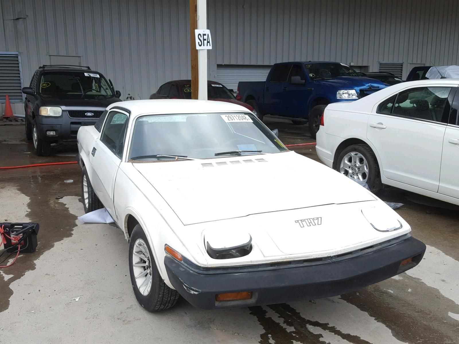 1975 TRIUMPH CAR TR7