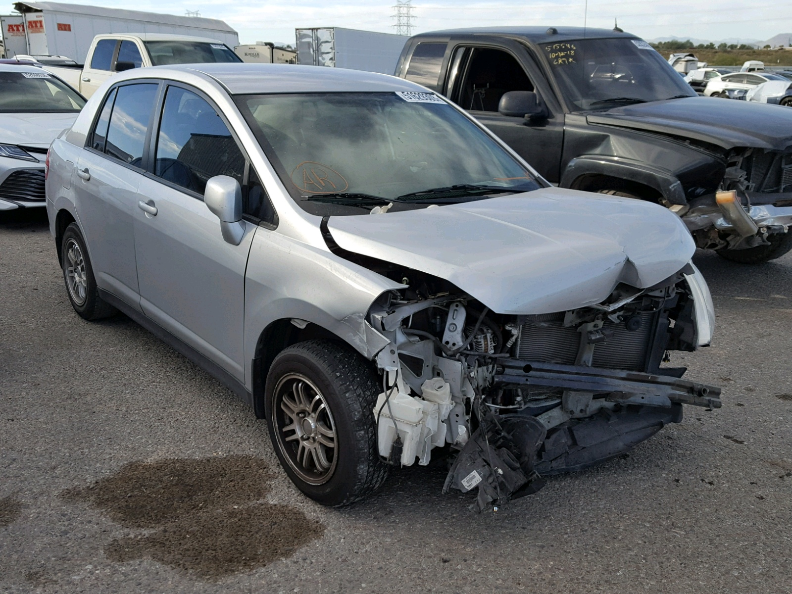 Salvage 2011 Nissan VERSA S for sale
