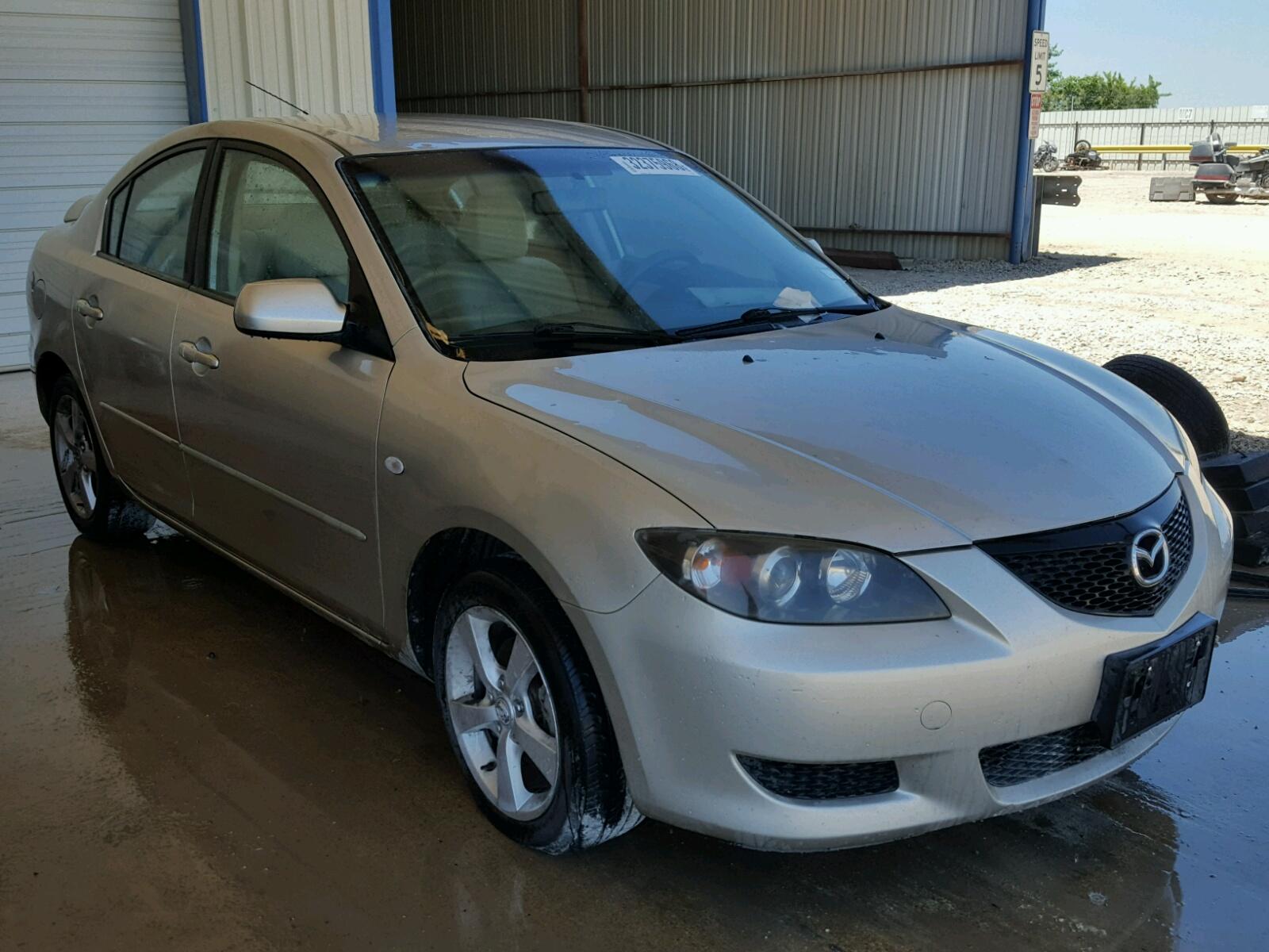 Salvage 2006 Mazda 3 I for sale