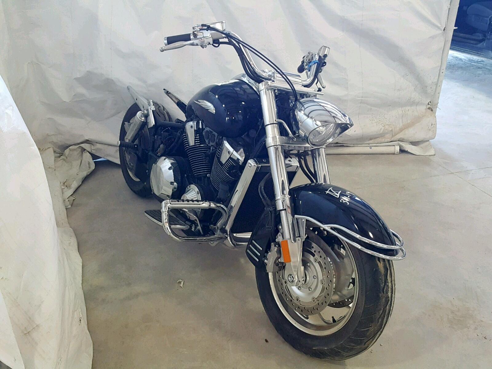Salvage 2007 Honda VTX1800 R3 for sale
