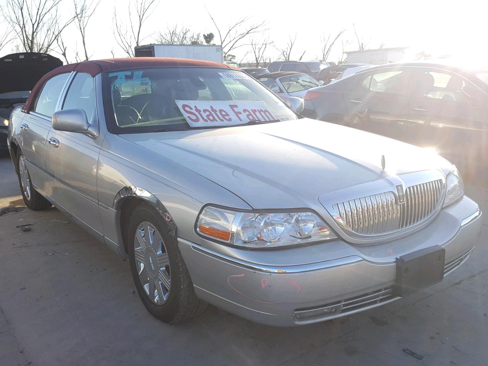 2003 Lincoln Town Car C