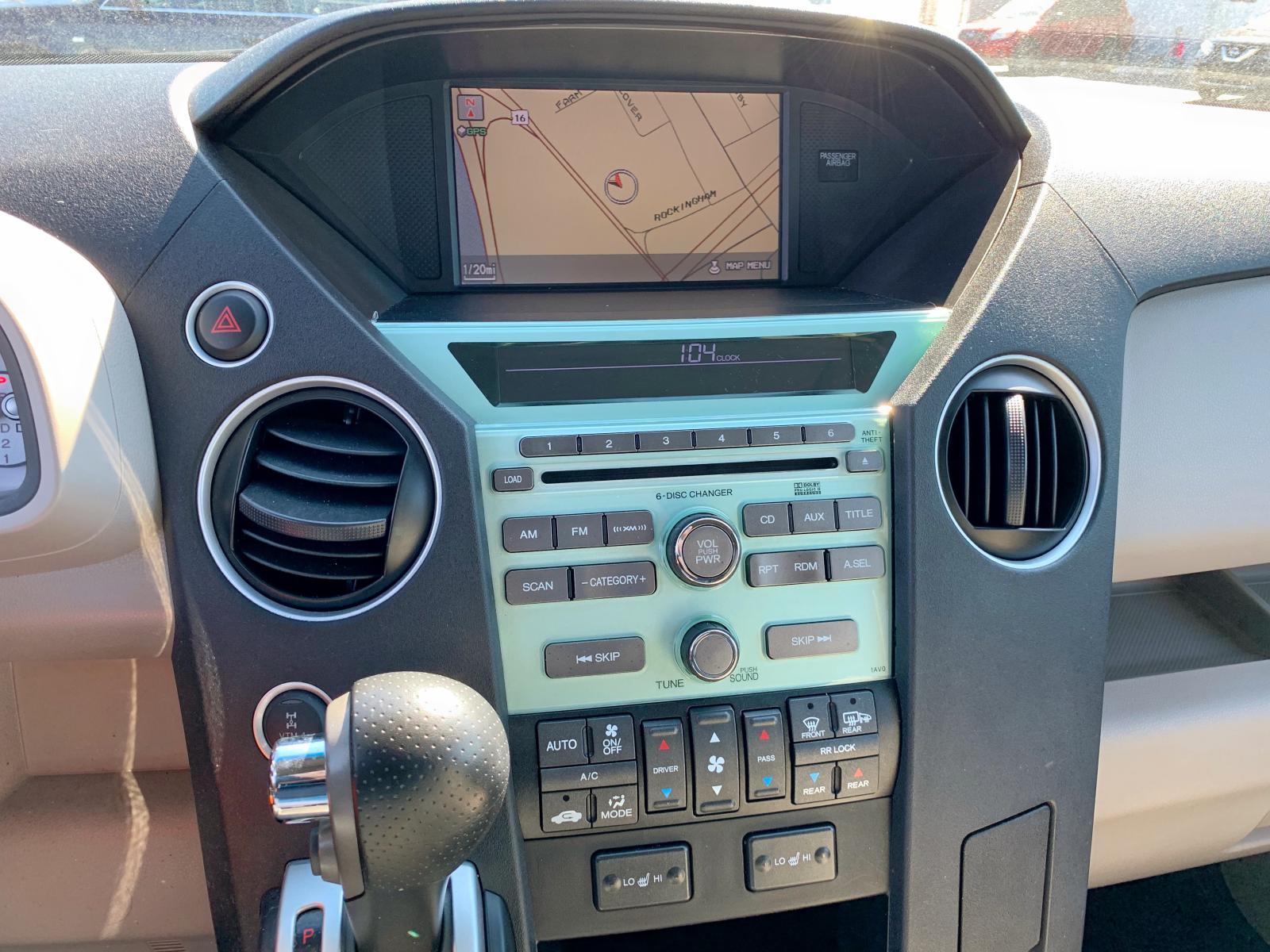 2011 Honda Pilot Exln 3.5L front view