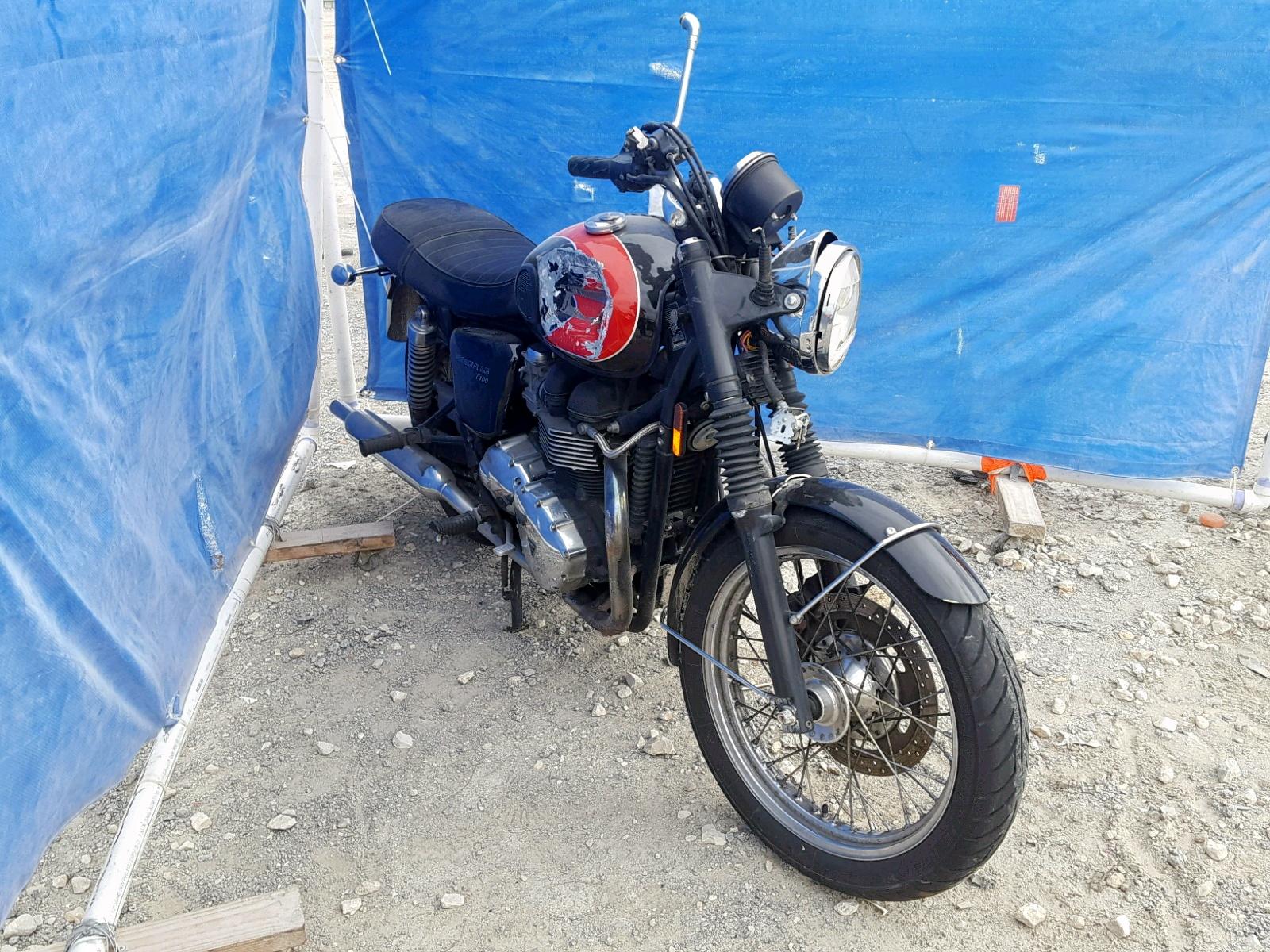 Salvage 2009 Triumph BONNEVILLE for sale