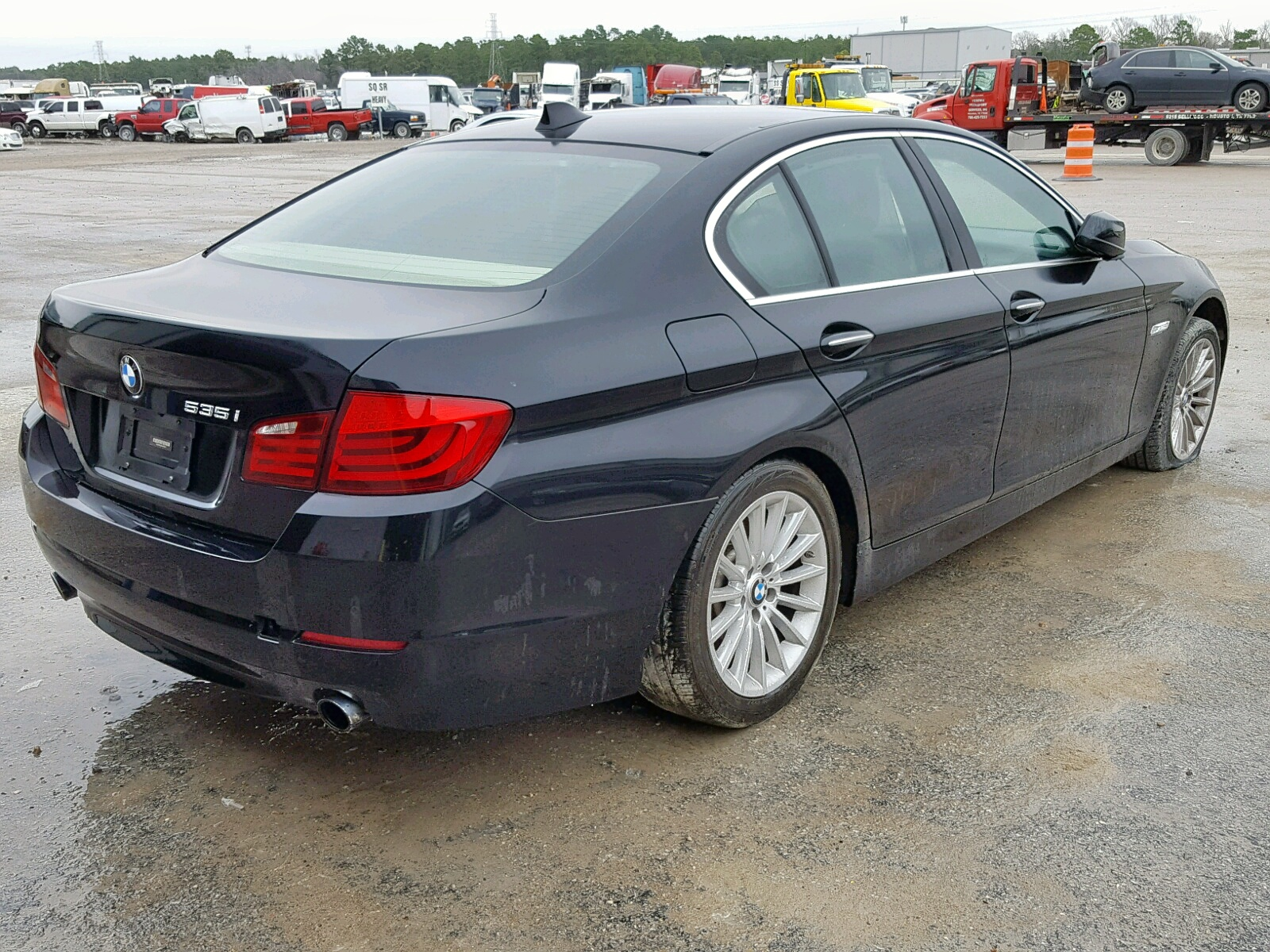 WBAFR7C51BC806279 - 2011 Bmw 535 I 3.0L rear view