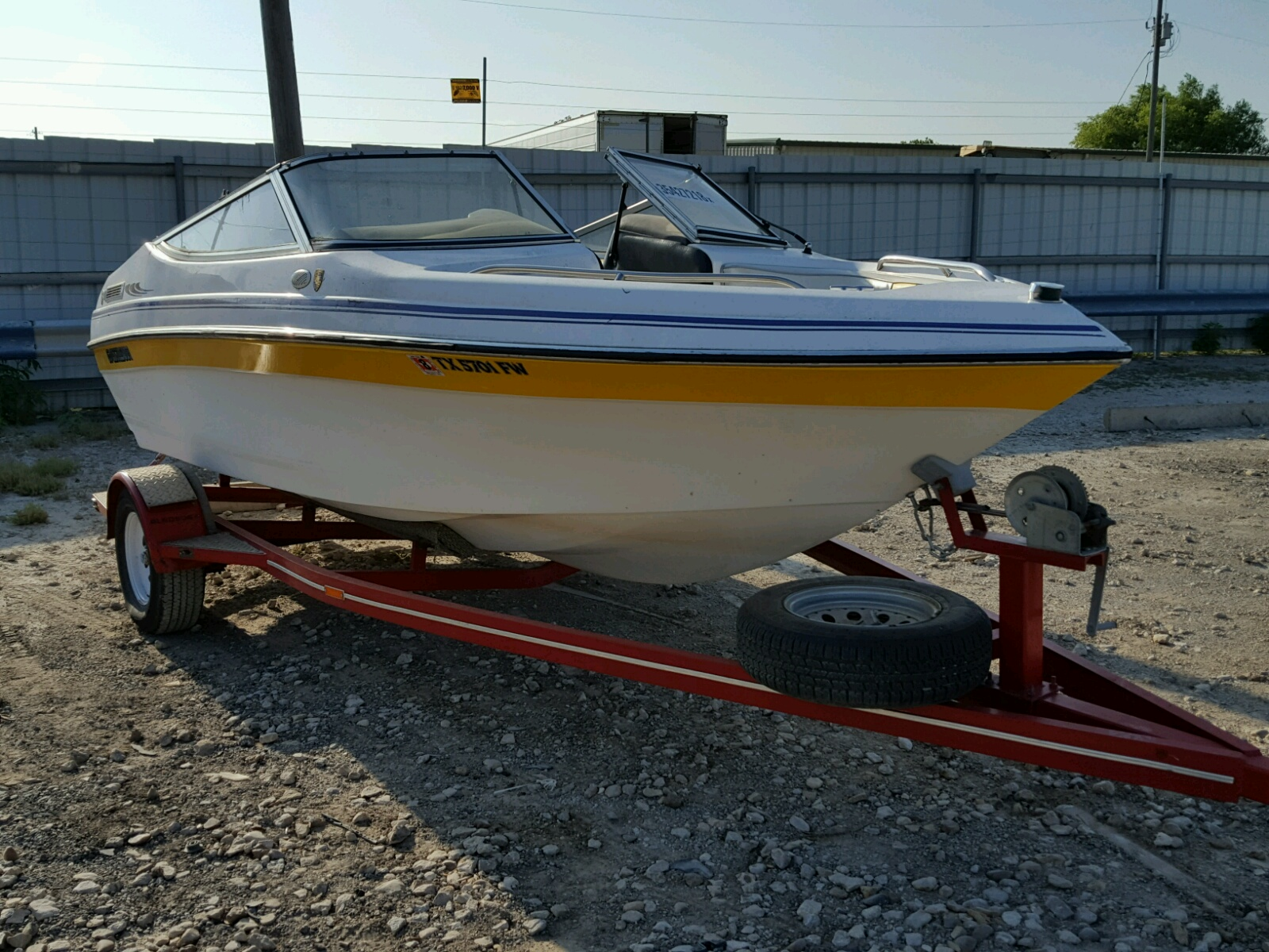 Salvage 1991 Glastron XL for sale
