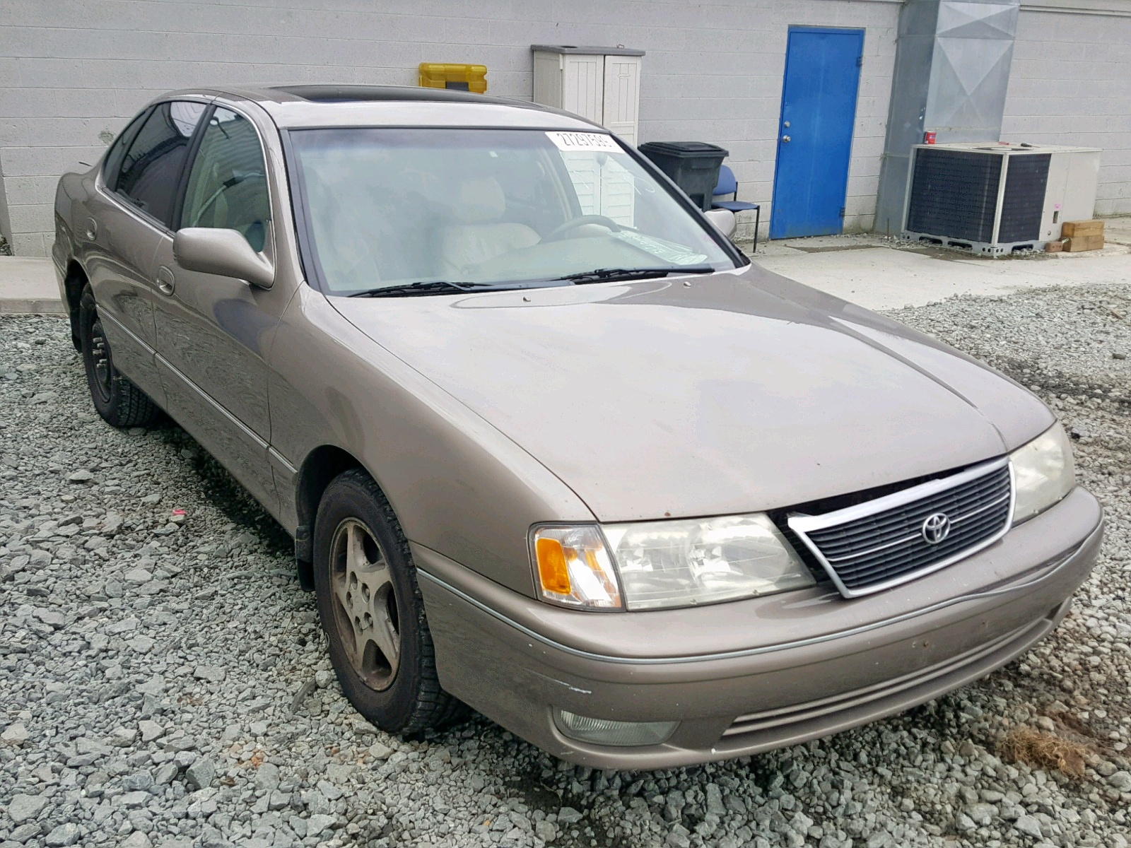 Salvage 1998 Toyota AVALON XL for sale
